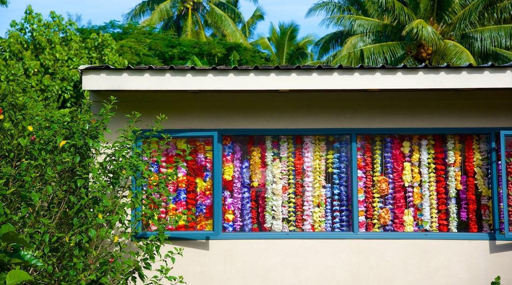 Arorangi featuring tropical scenes