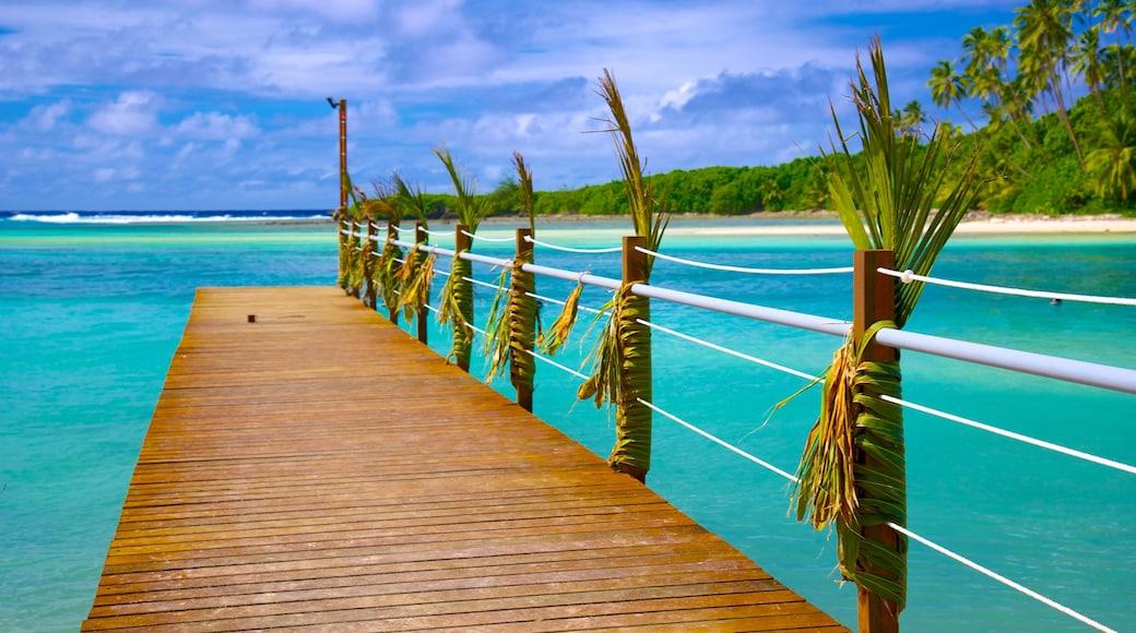 Muri Beach featuring tropical scenes