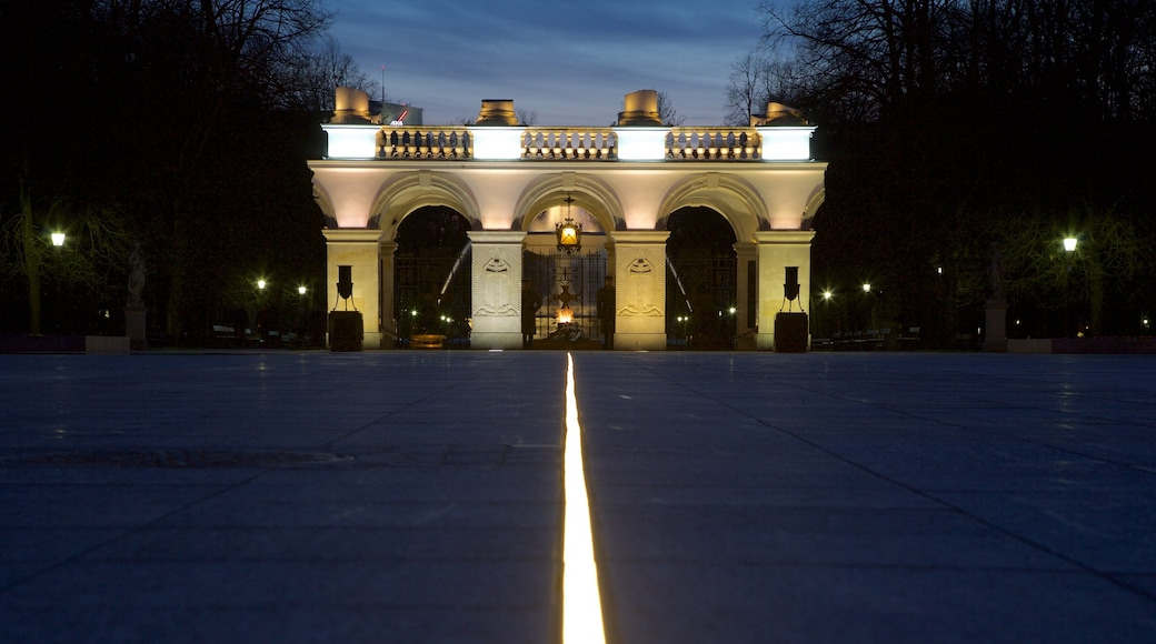 Tomb of Unknown Soldier featuring a memorial and night scenes