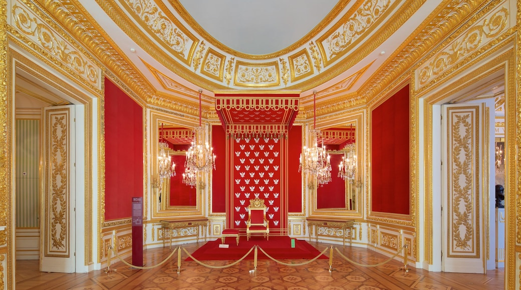 Royal Castle featuring heritage architecture, interior views and heritage elements