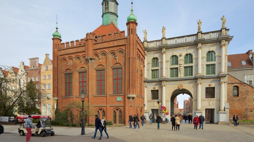 Kultainen portti johon kuuluu perintökohteet, katunäkymät ja vanha arkkitehtuuri