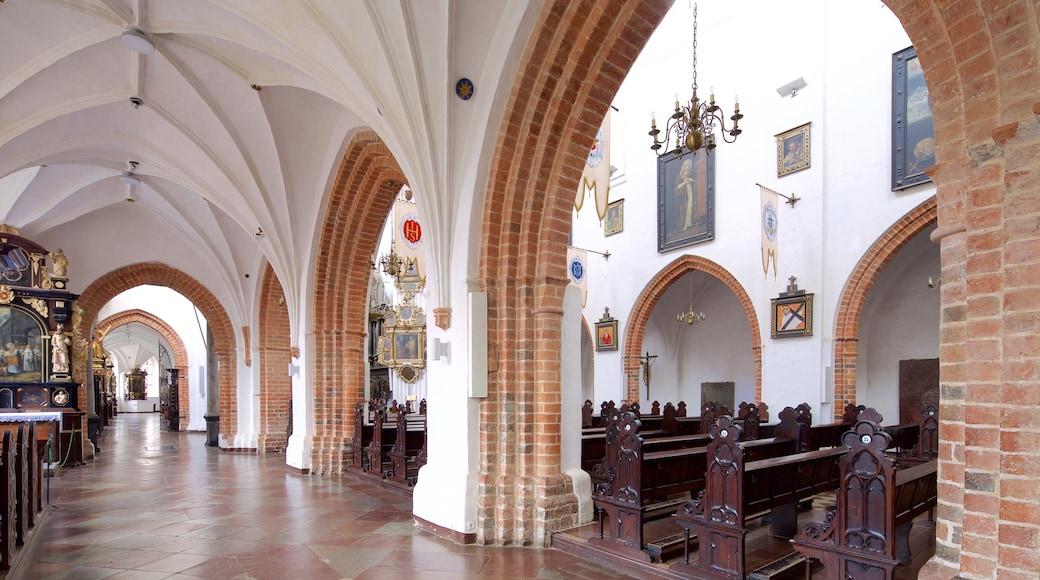 Kathedrale von Oliwa das einen Kirche oder Kathedrale und Innenansichten