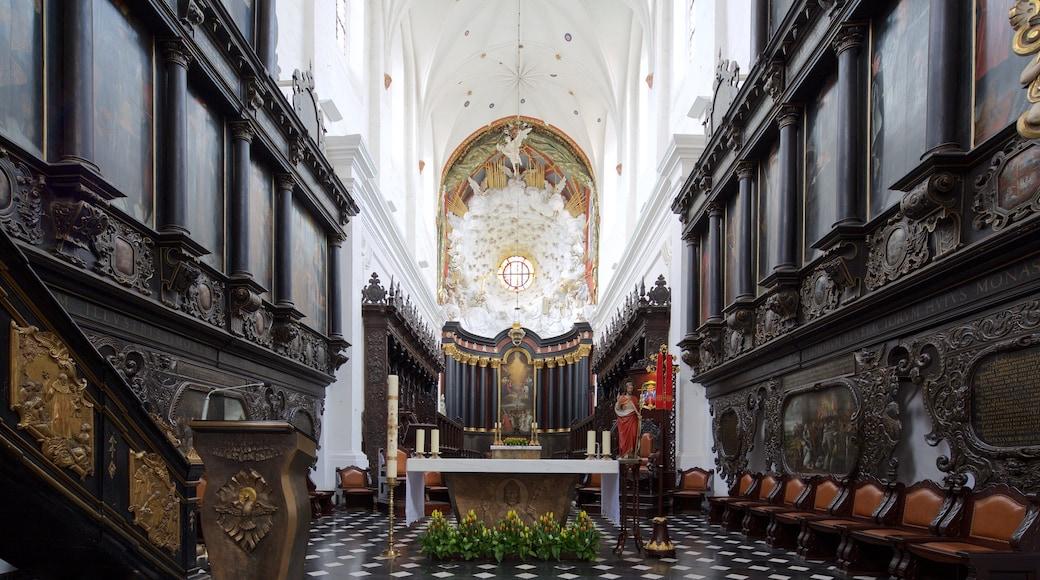 Kathedrale von Oliwa das einen Innenansichten und Kirche oder Kathedrale