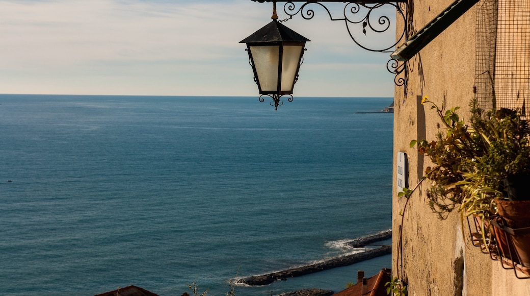 Diano Marina das einen allgemeine Küstenansicht
