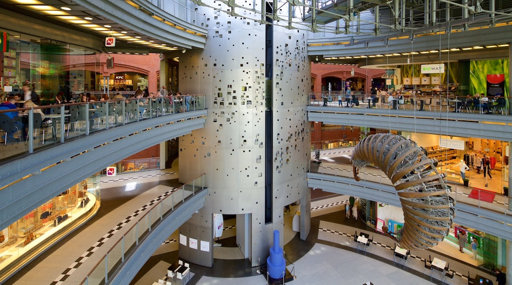 Stary Browar Shopping and Art Centre showing shopping and interior views
