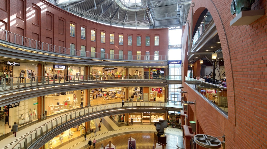 Stary Browar Shopping and Art Centre das einen Innenansichten und Einkaufen