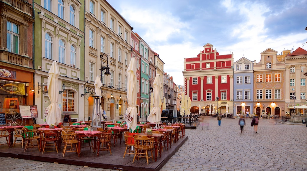 Stary Rynek featuring outdoor eating and a square or plaza