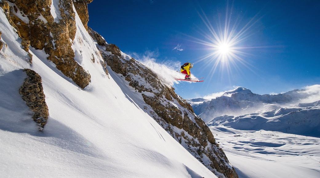 Stazione sciistica di Tignes caratteristiche di sci di fondo e neve