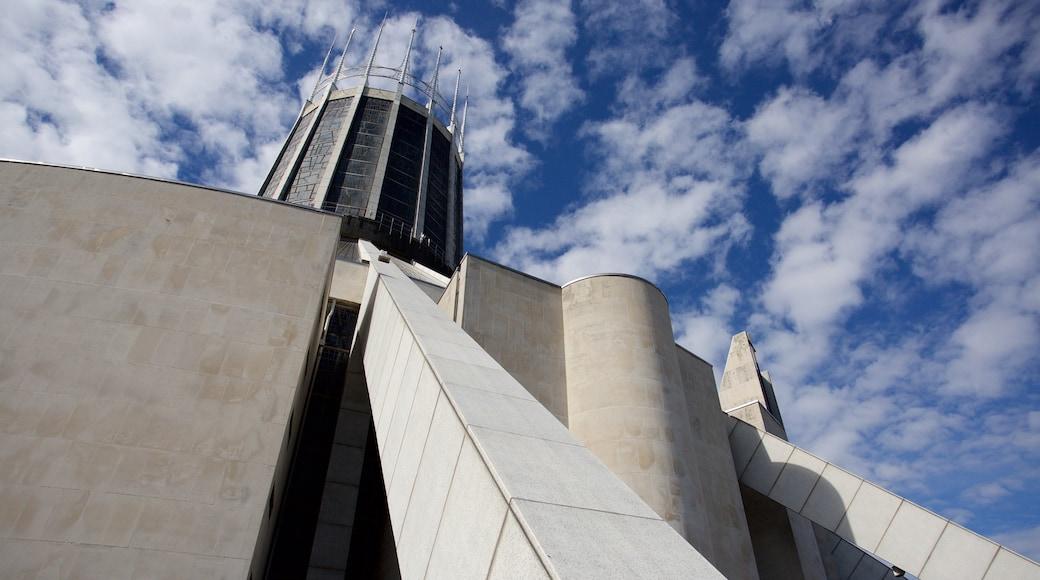Liverpool Metropolitan katedral som inkluderer moderne arkitektur