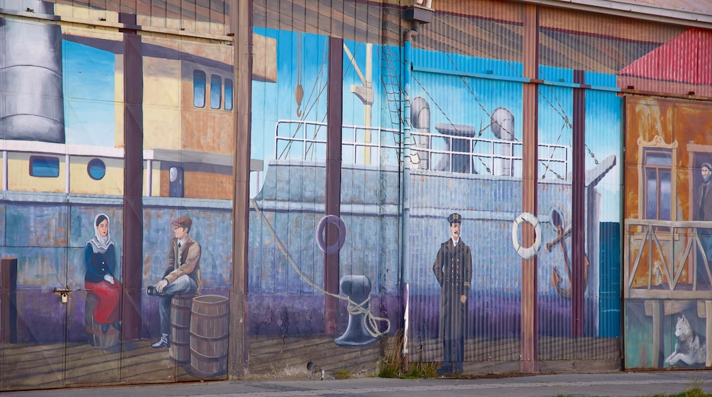 Punta Arenas which includes outdoor art