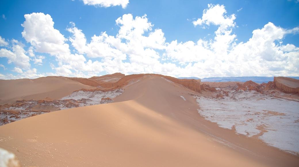 Valle de la Luna das einen Wüstenblick und Landschaften