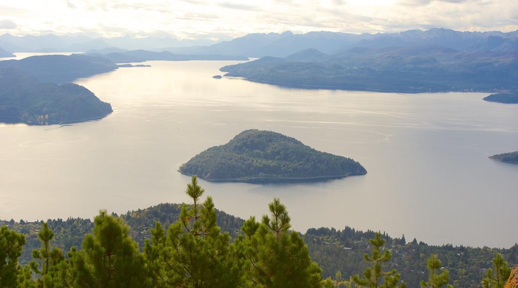 Cerro Otto mostrando escenas tranquilas, vista panorámica y un lago o espejo de agua