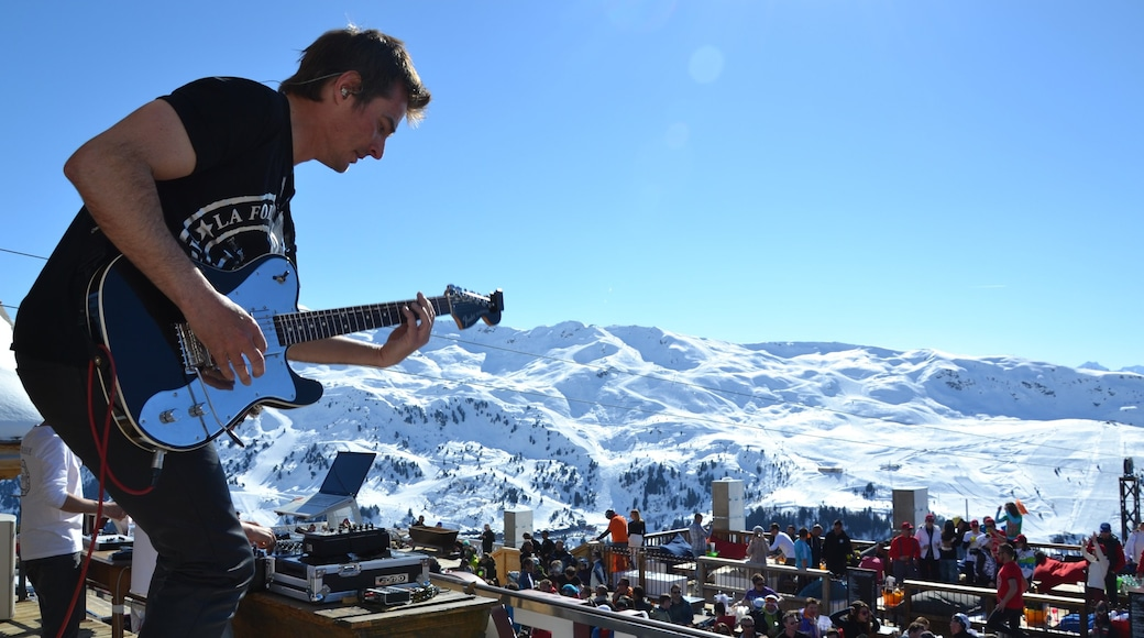 Alpes du Nord which includes music, snow and mountains