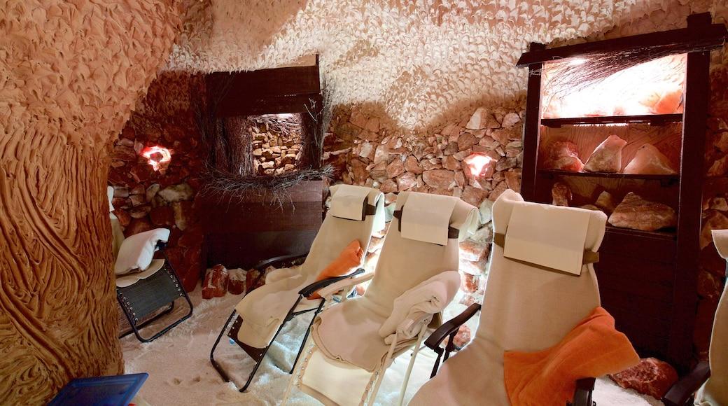 Elisabethbad mit einem Höhlen