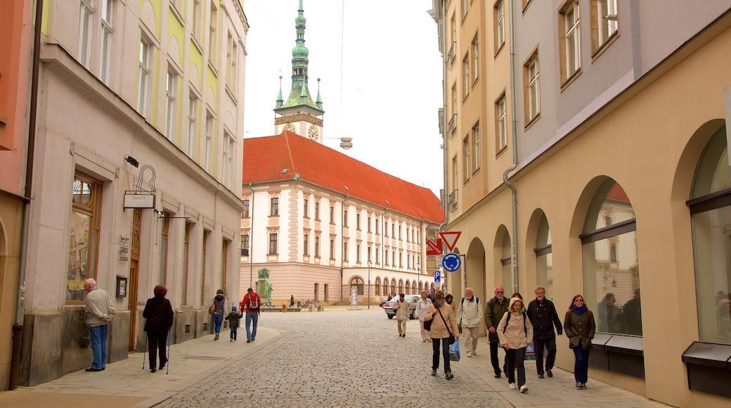 Olomouc toont straten en een stad
