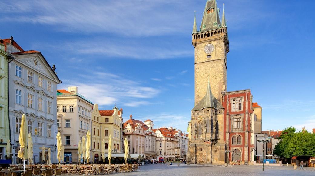 Altstädter Rathaus mit einem Stadt und Platz oder Plaza