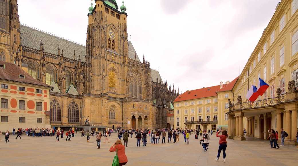 St. Vitus Cathedral showing a square or plaza, a city and heritage elements