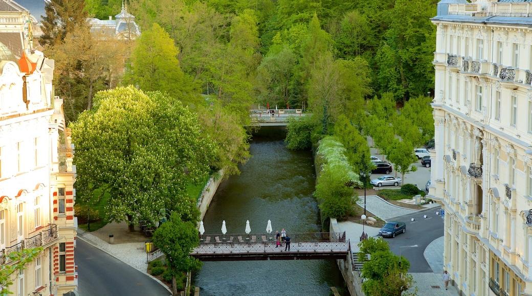Diana Lookout Tower welches beinhaltet Fluss oder Bach