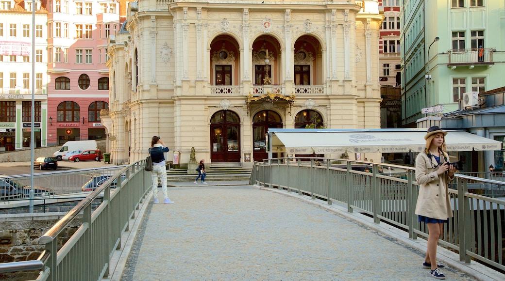 Karlovy Vary Bezirksmuseum welches beinhaltet Stadt