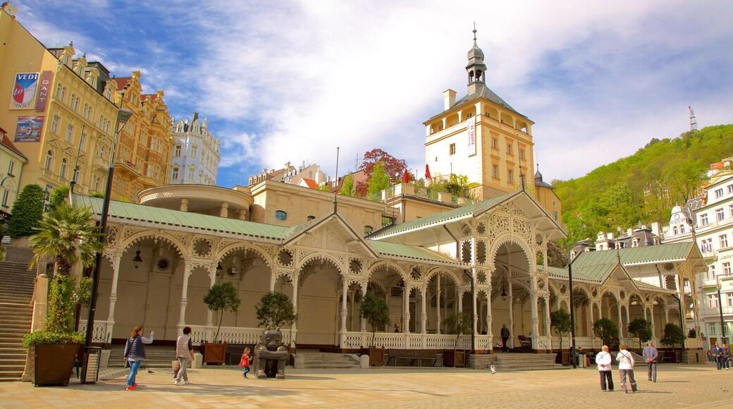Karlovy Vary mit einem Stadt, Geschichtliches und Platz oder Plaza