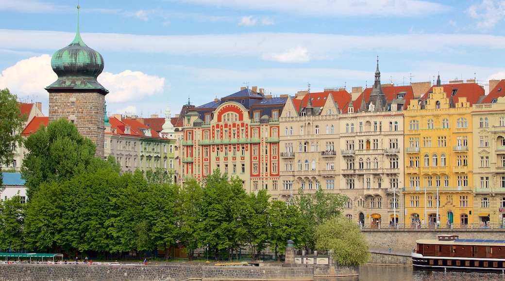 Prague showing a city