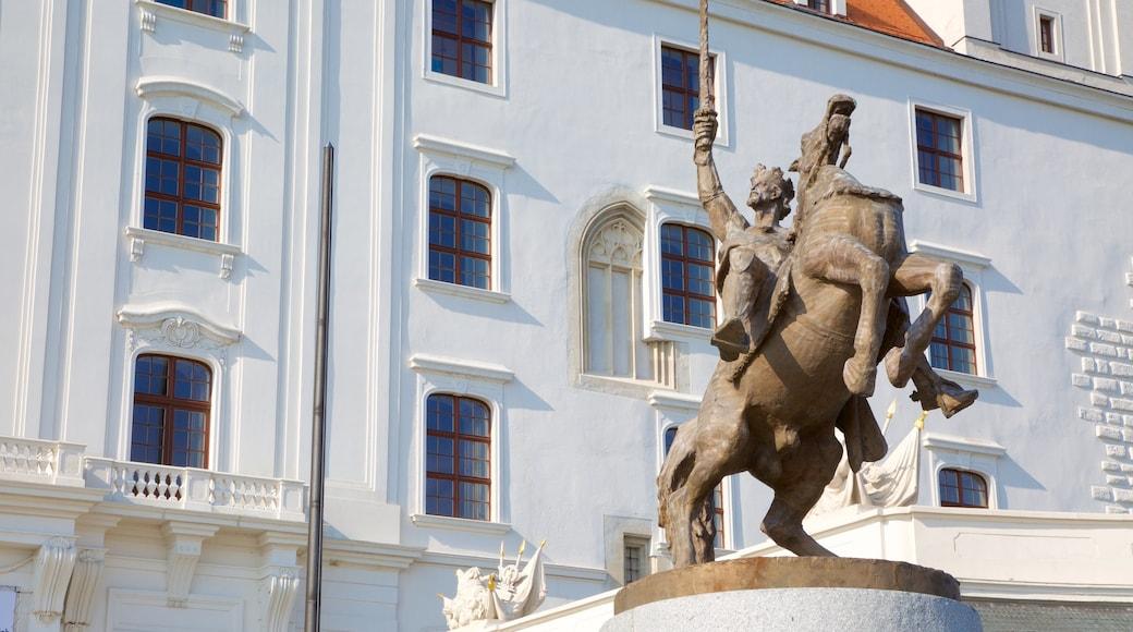 Burg Bratislava das einen Statue oder Skulptur