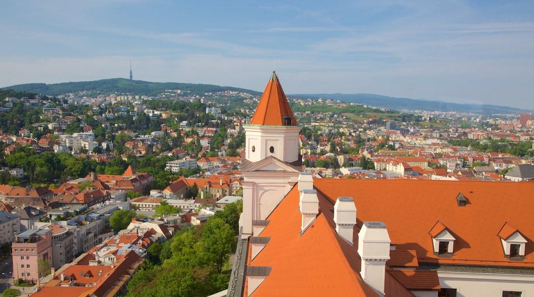 Burg Bratislava welches beinhaltet Palast oder Schloss und Stadt