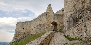 Spissky Castle showing heritage elements, a castle and a ruin