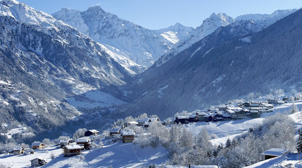 Verbier featuring mountains, a small town or village and snow