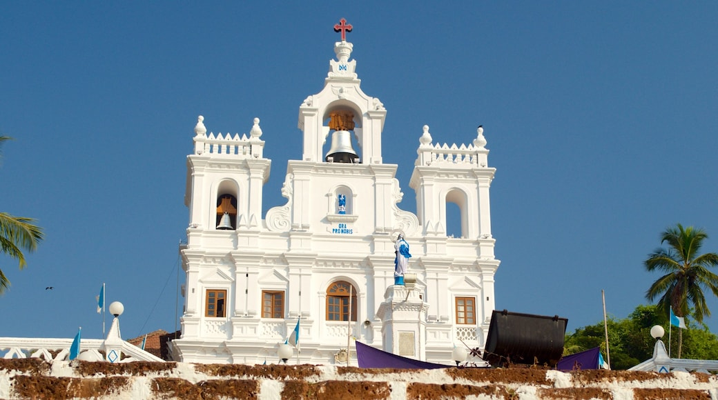 Panaji caracterizando uma igreja ou catedral e arquitetura de patrimônio
