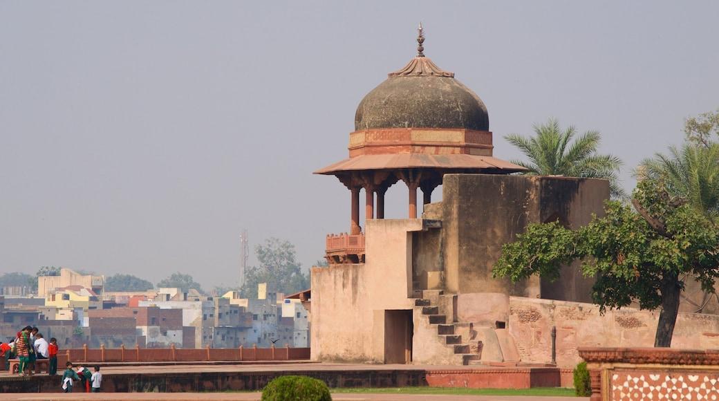 Itmad-ud-Daulah\'s Tomb