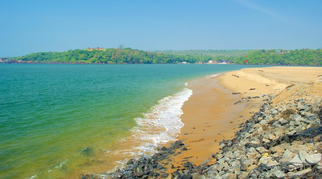 Querim Beach featuring a sandy beach and general coastal views