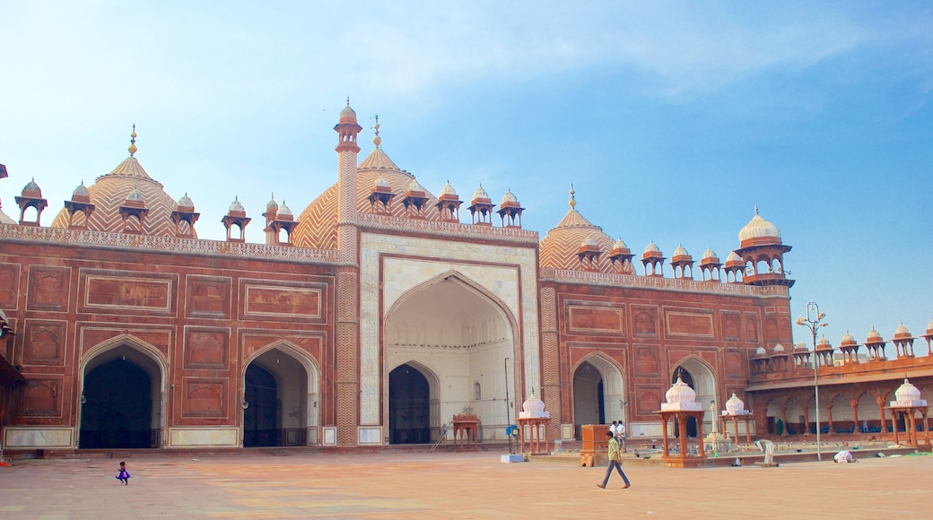 Jama Masjid featuring a square or plaza and a mosque