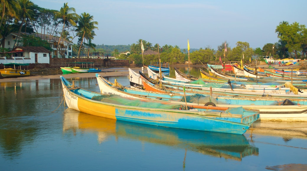 Baga Beach which includes boating