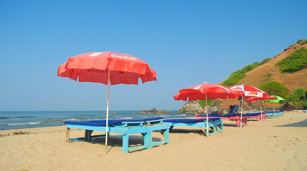 Praia de Vagator que inclui paisagens litorâneas e uma praia de areia
