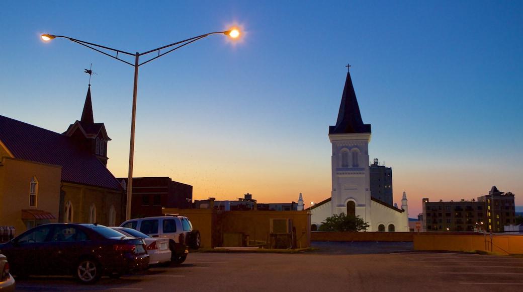 漢斯維爾 呈现出 夕陽 和 教堂或大教堂