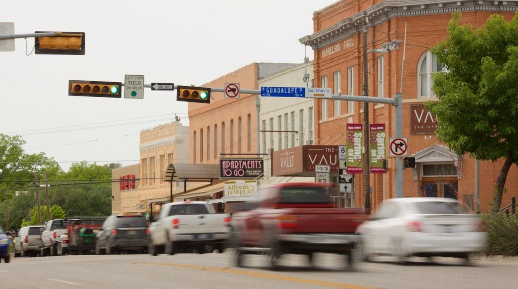 San Marcos showing street scenes