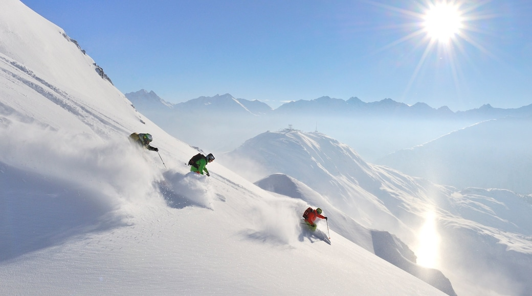 Sankt Anton am Arlberg which includes snow skiing, mountains and snow