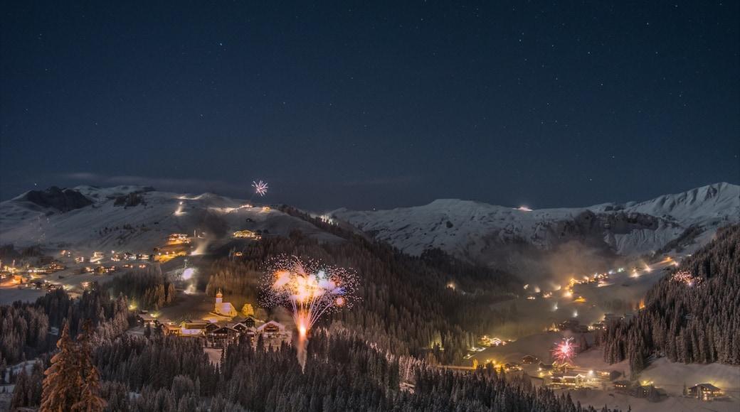 Skigebiet Damüls Mellau Faschina welches beinhaltet bei Nacht, Festival und Nachtleben
