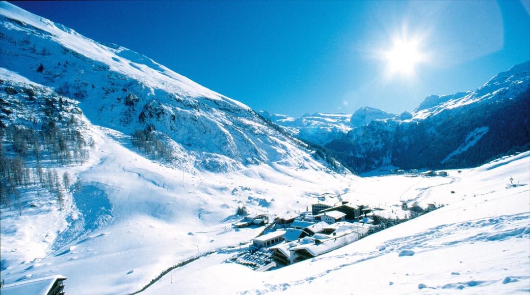 Hintertux welches beinhaltet Berge und Schnee