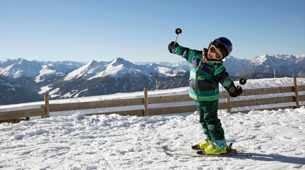 Ski Jewel Alpbachtal - Wildschoenau featuring snow and snow skiing as well as an individual child