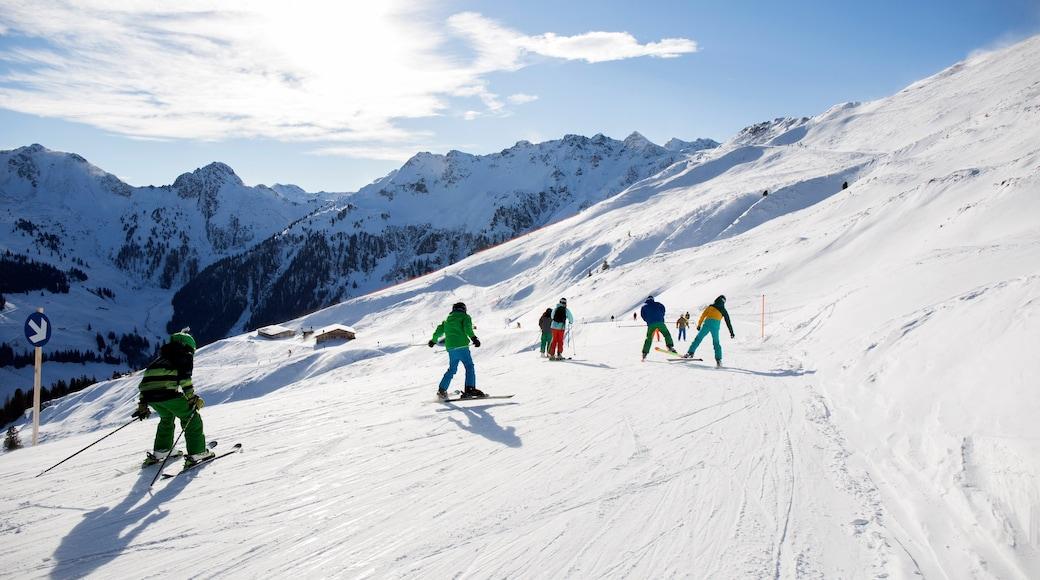 Ski Juwel Alpbachtal Wildschönau welches beinhaltet Skifahren, Schnee und Berge