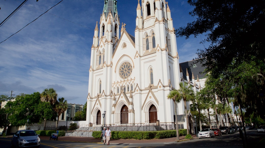 Cathedral of St. John the Baptist showing religious aspects, heritage architecture and a church or cathedral