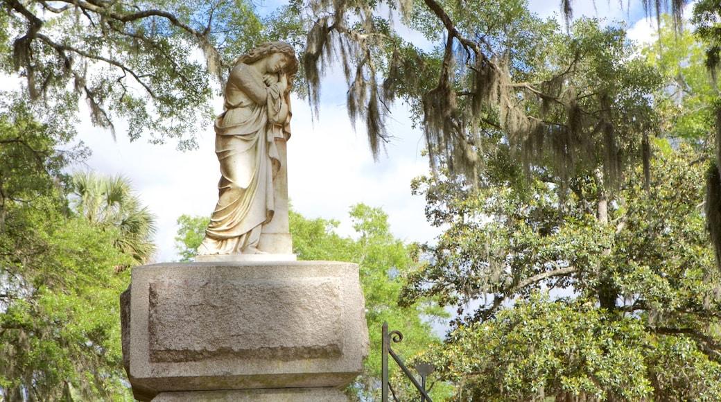 Bonaventure Cemetery featuring a statue or sculpture