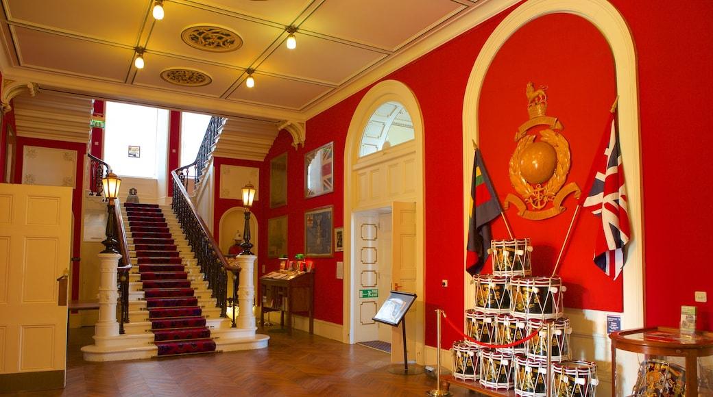 Royal Marines Museum qui includes patrimoine historique et vues intérieures