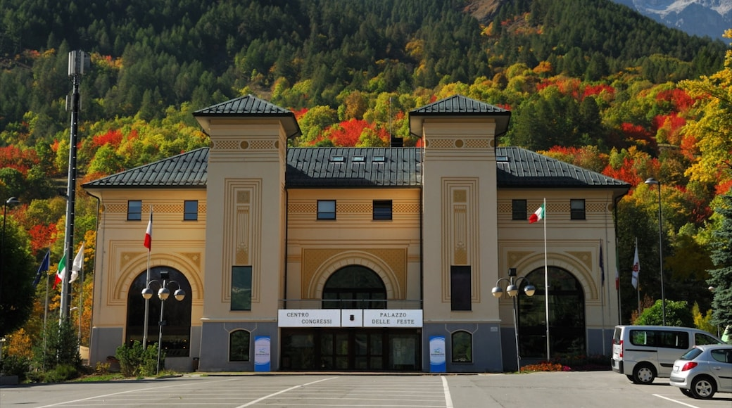 Bardonèche qui includes architecture moderne
