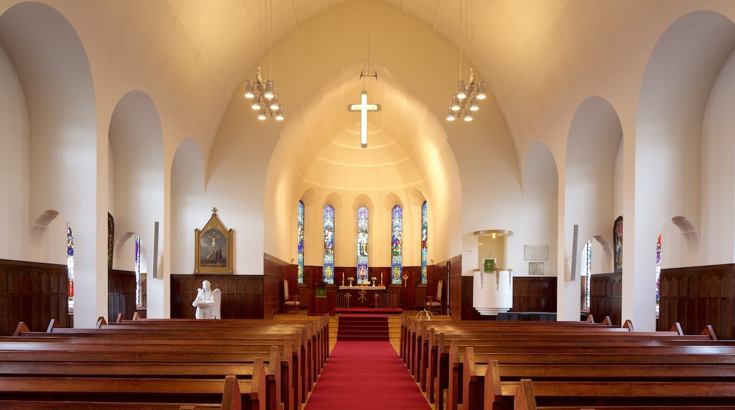 Akureyri Church showing interior views, religious aspects and a church or cathedral