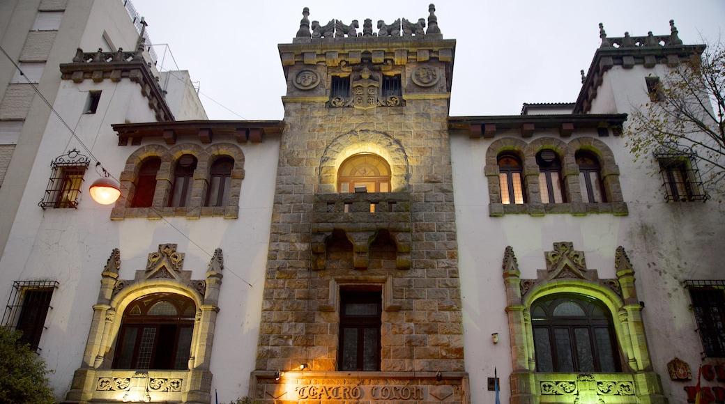 Teatro Colón che include architettura d\'epoca