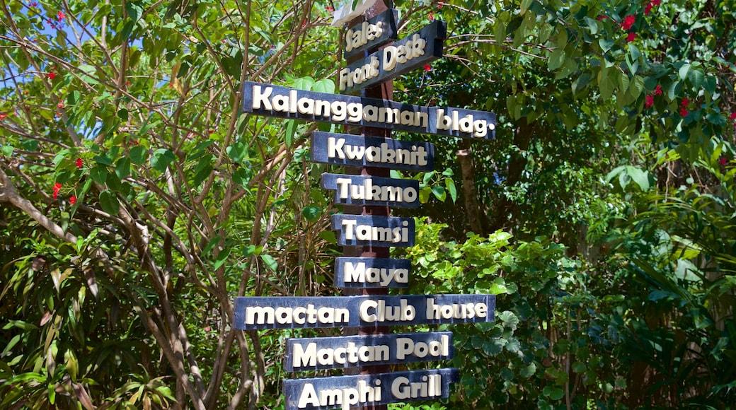 Cordova showing signage