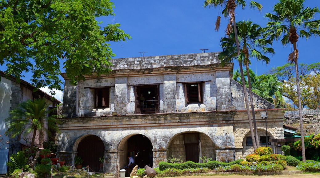 Fort San Pedro featuring a ruin